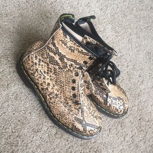 Snake printed boots